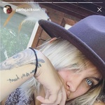 Paris Jackson: Deset tetovaž v spomin na očeta (foto: profimedia)