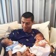Cristiano Ronaldo se kot oče dobro znajde