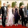 Kralj in kraljica v družbi italijanskega predsednika Sergia Matarelle in  njegove žene.