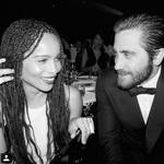 """ZANETIL JE ISKRE """"Nihče me ne povabi na zmenek. Kadar srečam dobrega fanta in mu postanem všeč, vedno slišim, da sem preveč 'kul,' da bi me lahko obvladali,"""" rada potarna. Bojda se je to pripetilo tudi simpatičnemu igralcu Gore Brokeback, Jaku Gyllenhaalu … (foto: Profimedia)"""