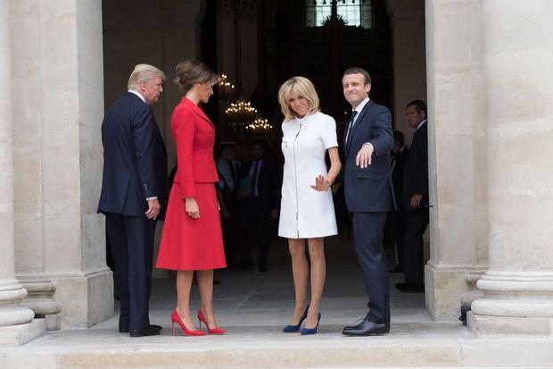"""Trump Macronovi soprogi Brigitte: """"Ste v zelo dobri formi, krasno!"""" (foto: profimedia)"""