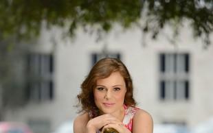Flora Ema Lotrič, pevka: Tujina mi je dala notranjo moč