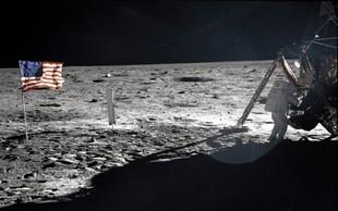 Armstrongovo torbo za lunin prah prodali za 1,8 milijona dolarjev
