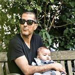 Nekdanji soprog: Začetek tega meseca je dojenček Eissa preživel v Londonu pri svojem bogatem očku. (foto: Profimedia)