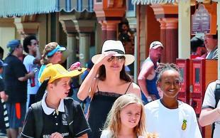 Angelina Jolie: Po ločitvi od Brada zbolela za Bellovo paralizo