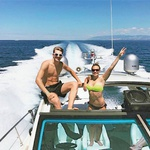 Lani je na Hrvaškem naredil izpit za krmiljenje  čolna, od takrat pa se pogosto znajde za krmilom. (foto: Goran Antley, Profimedia, osebni arhiv)