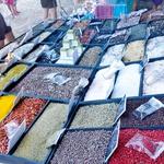 Svet začimb: Na potovanjih je obisk tržnice z začimbami pri Sari obvezen. Tako je tudi tokrat kupila kar nekaj zanimivih začimb.  (foto: osebni arhiv)