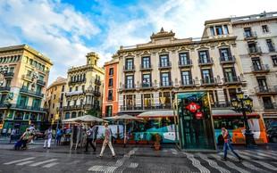V Barceloni so se z minuto molka spomnili žrtev napada