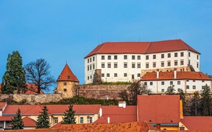 Za uvod v Dneve poezije in vina začetek v Mariboru in vrhunec na Ptuju