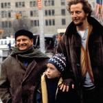 Sam doma: Culkin je bil za vlogo v filmu nominiran za nagrado zlati globus. Kmalu po premieri je komedija postala najbolj gledan film tega žanra v Ameriki in na svetu. (foto: Profimedia)