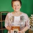 Milena Miklavčič še v drugo o intimni preteklosti dedkov in babic