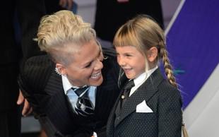 Pink na podelitvi nagrad hčerki poslala pomembno sporočilo!
