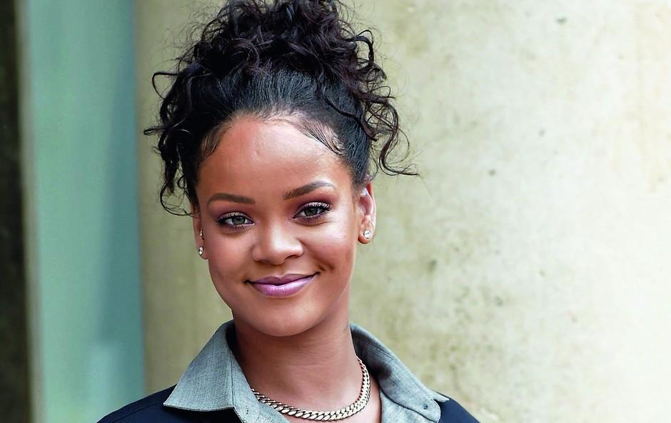 Rihanna kupila hišo na Beverly Hillsu (foto: Profimedia)