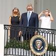 ZDA: Popoln sončni mrk je pritegnil tudi zvezdnike!