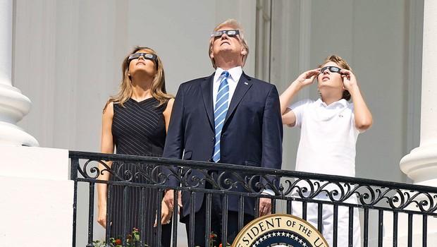 ZDA: Popoln sončni mrk je pritegnil tudi zvezdnike! (foto: Profimedia)