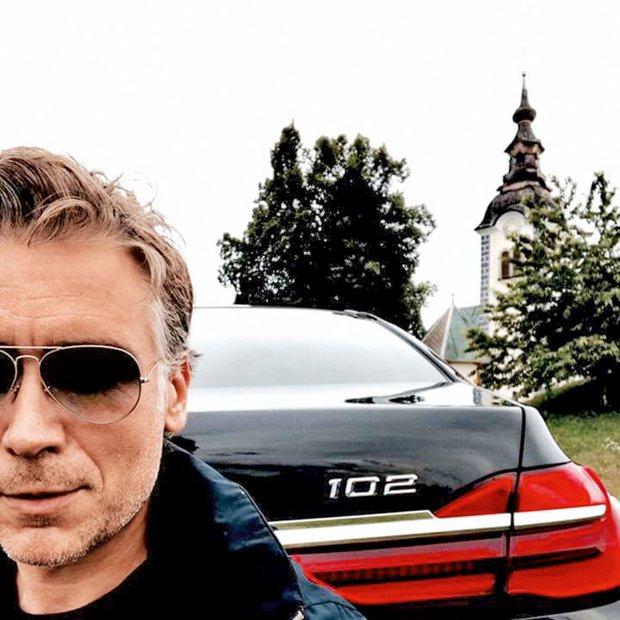Katere avtomobile vozijo slovenski estradniki?