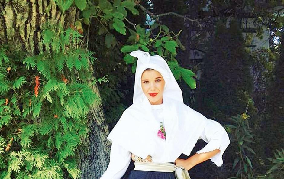Ariana Hodžić: Očarala v istrski šavrinski opravi (foto: osebni arhiv)