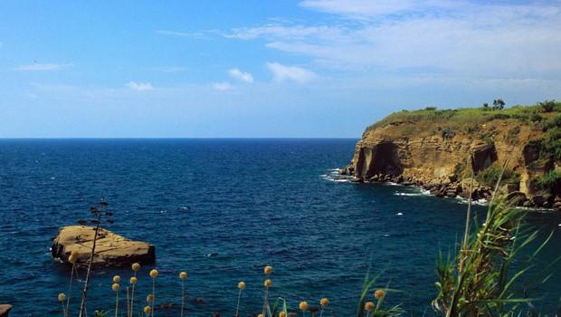 Na otoku Ventotene v Italiji bi gostili otroke migrantov (foto: profimedia)