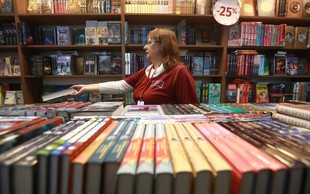 100 slovanskih romanov s pisatelji na moskovskem knjižnem sejmu in v Jasni Poljani