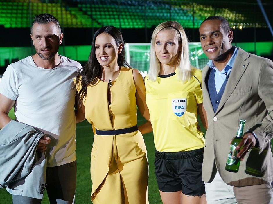 Sebastjan Cimirotić, Marcos Tavares, Aleksandra Česen, sodnica, in  Lea Filipovič, voditeljica (foto: Laško Press)