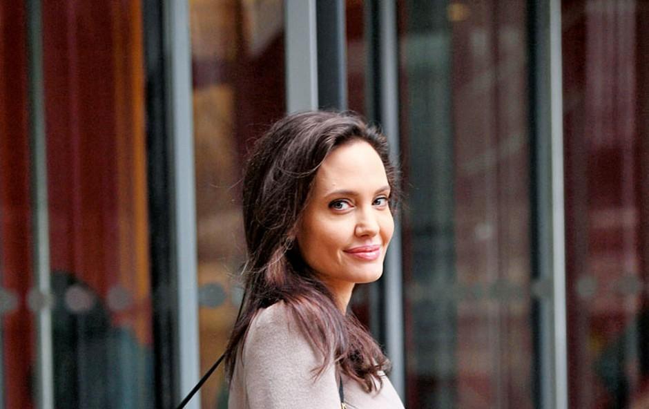 Angelina Jolie: Sovraži biti sama (foto: Profimedia)