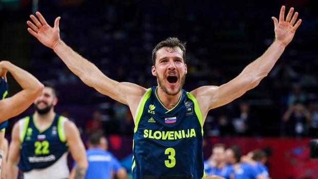 """Goran Dragić: """"Gremo po zlato in upam, da nas bo v Sloveniji pozdravilo čim več ljudi."""" (foto: profimedia)"""