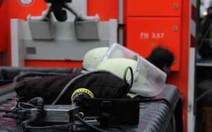 Nemški gasilci tri ure reševali moškega s penisom v vadbeni uteži