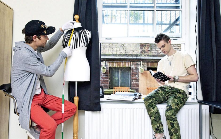 Marjan Krnjič in Jožef Sraka: Priprave na modni šov (foto: osebni arhiv)