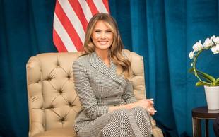 Melania Trump z izbrano dekoracijo praznično polepšala Belo hišo