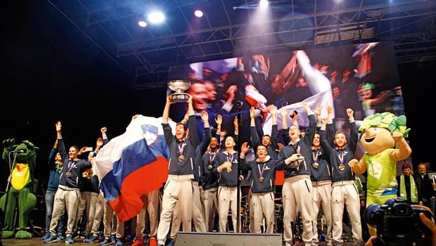 Zlati košarkarji: Vezi za vse življenje (foto: Helena Kermelj, Goran Antley, Aleksandra Saša Prelesnik)