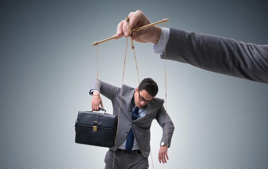 8 psiholoških trikov, ki jih uporabljajo manipulatorji (foto: Profimedia)