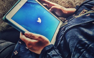 Twitter blokiral več kot 200 računov, povezanih z rusko propagando