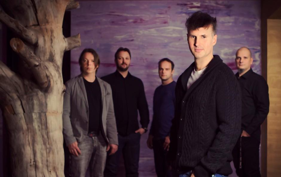 Single 'Punca v belem' napoveduje novi, dvojni album skupine Flirrt! (foto: Boštjan Tacol)