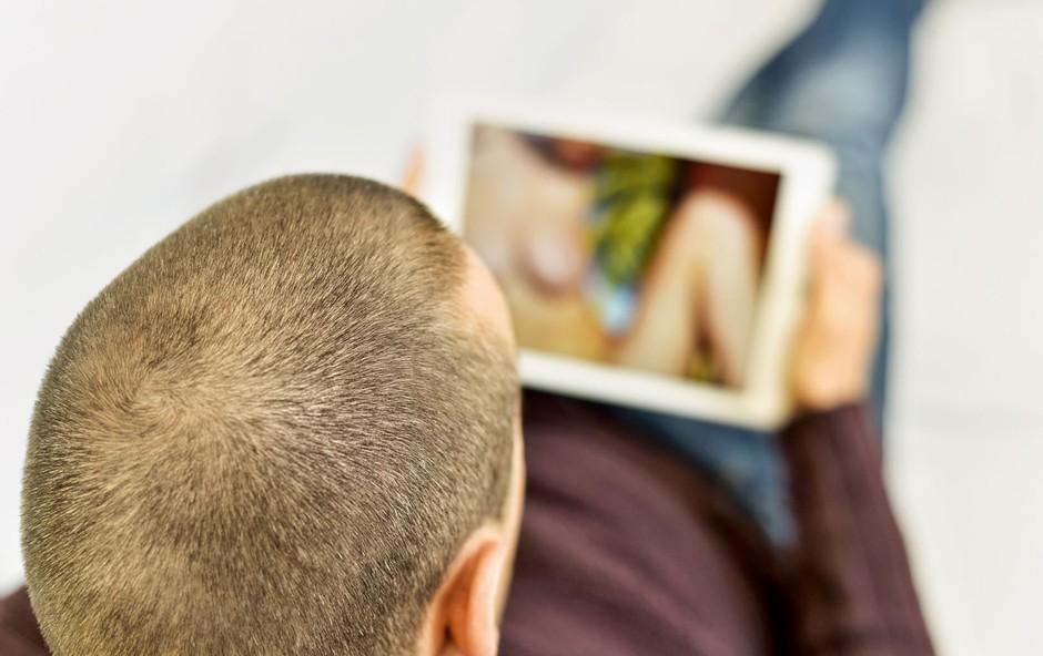 Zasvojenost: Ko je partnerjev »šus« pornografija (foto: Shutterstock)