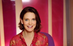 Susie Dent - televizijska voditeljica, ljubiteljica leksikografije
