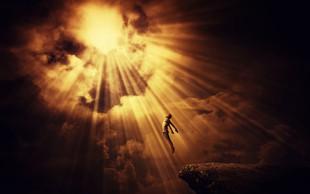 Adrian P. Kezele v Gospodarju smrti o človeku, ki ga je videl, pa se kljub temu vrnil in ostal isti!