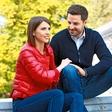 Novinarski par v veselem pričakovanju: Mirko Mayer in Kaja Flisar bosta zibala!