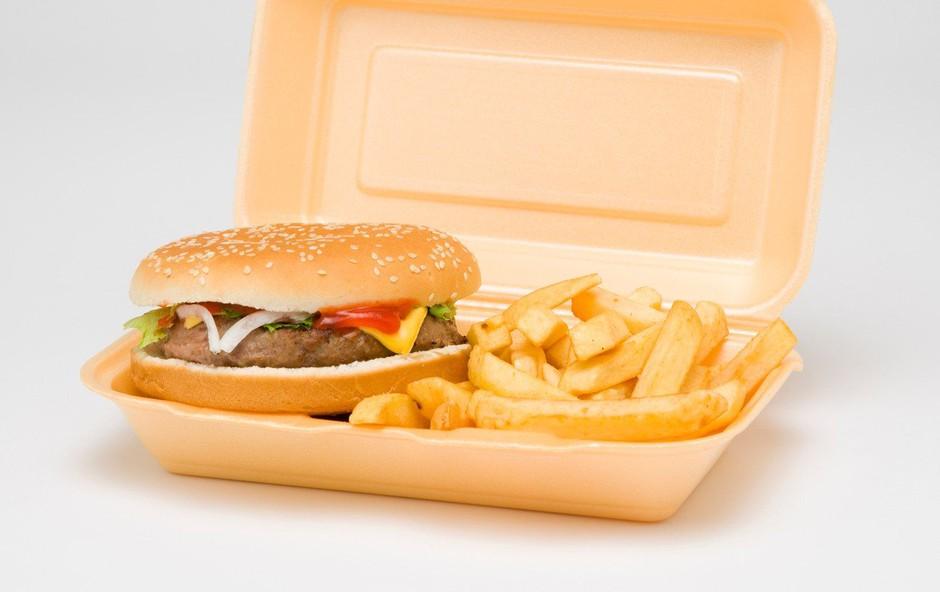 Trump ne more brez McDonaldsovega hamburgerja (foto: profimedia)