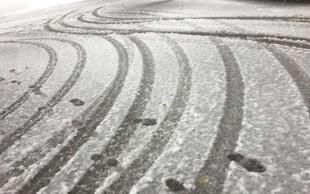 Zimski služb sneg ni presenetil, ceste so že posute!