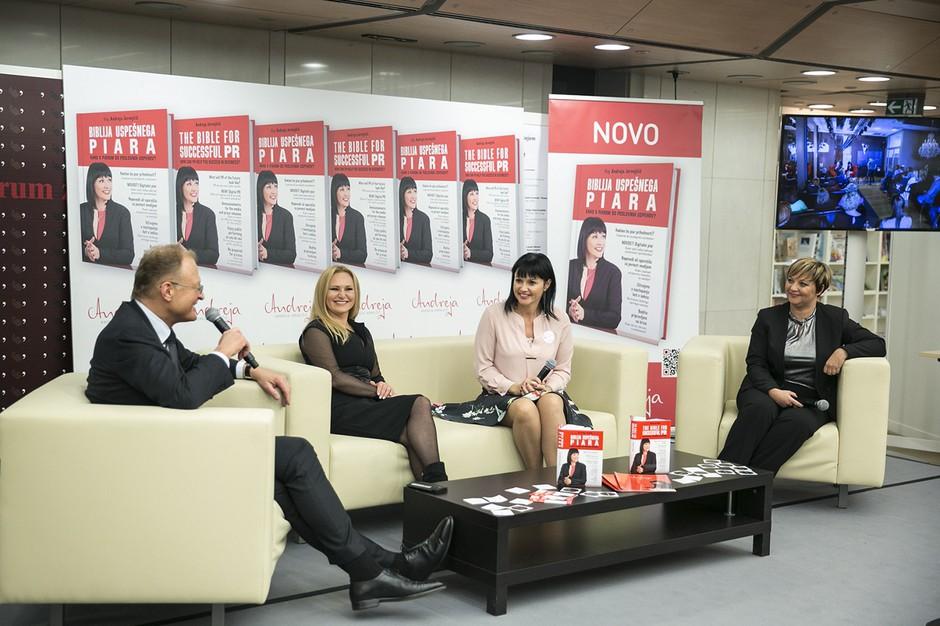 Direktor Rika Janez Škrabec, pevka Nuša Derenda, piarovka Andreja Jernejčič in direktorica Varis Lendava Sabina Sobočan (foto: Tina Ramujkić)