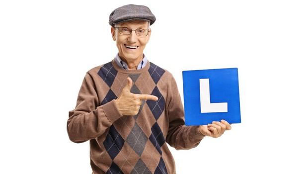 56 let se je po nemških cestah vozil brez vozniškega dovoljenja (foto: profimedia)