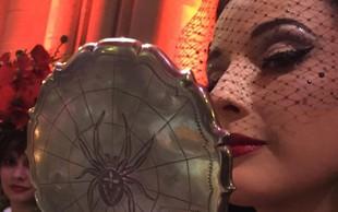 Dita Von Teese s singlom Rendez-vous napovedala glasbeni debi