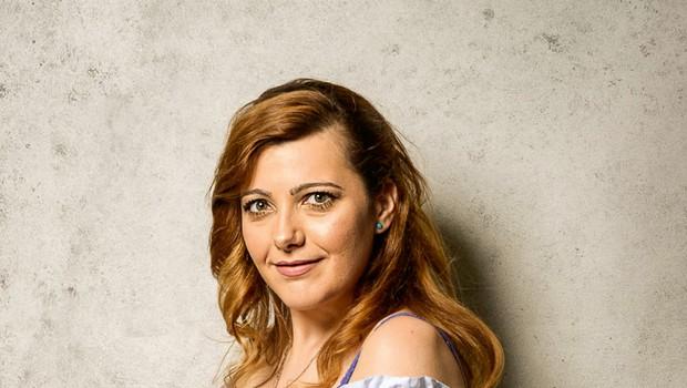 Monika Košenina (Ljubezen po domače) za nasmehom skriva hudo življenjsko zgodbo, s katero se je morala soočiti (foto: Matic Kos)