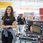V dm prodajalni pozdravili priljubljeno Rebeko Dremelj (foto: dm)