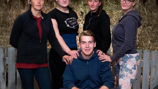 V finalnem tednu Kmetije se borijo le še Milena, Deja, Maja, Tamara in Mitja! (foto: Pop Tv)