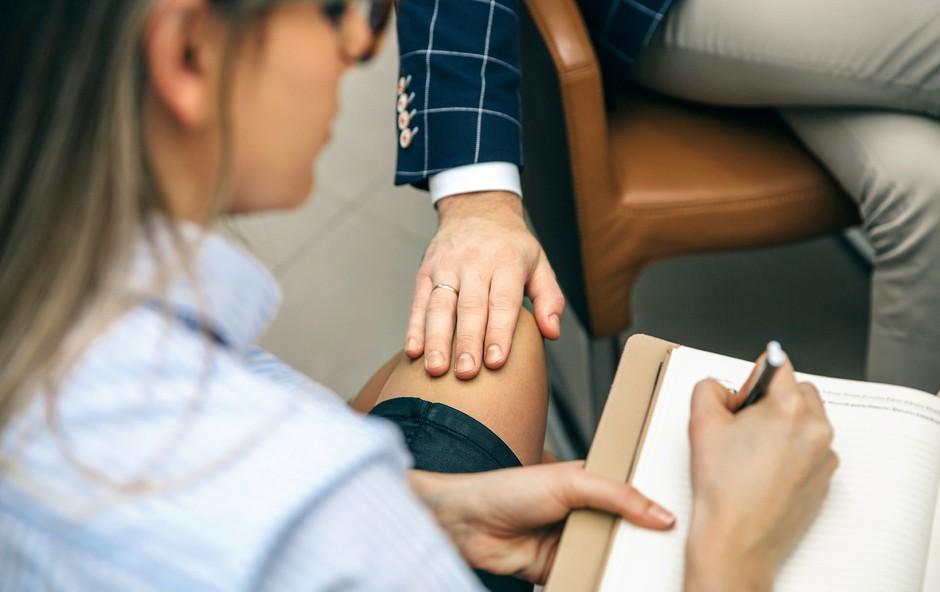 Spolno nadlegovanje: Družba, krive smo si same!? (foto: Shutterstock)