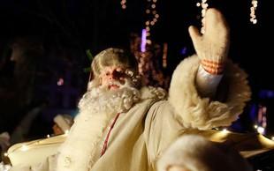 Po Miklavžu in božičku je čas za nastop dedka Mraza