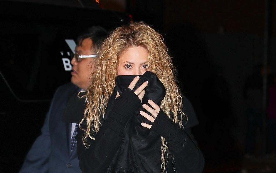 Shakira zaradi težav z glasilkami odpovedala turnejo (foto: profimedia)