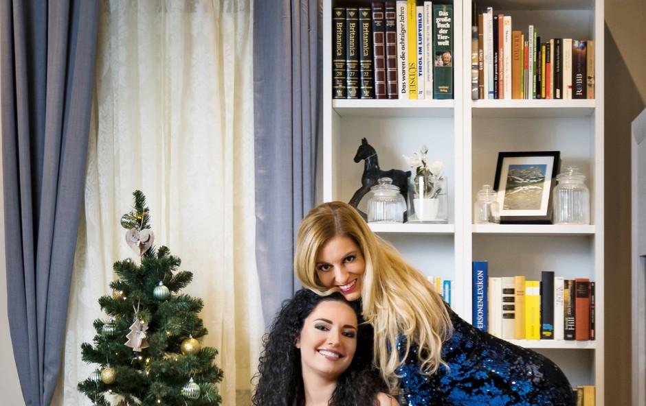 Miša Margan in Tadeja Ternar za praznike obdarili starostnike (foto: Aleš Kocbek)