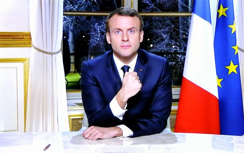"""Emmanuel Macron """"žrtev"""" potegavščine ruskih komikov (foto: profimedia)"""